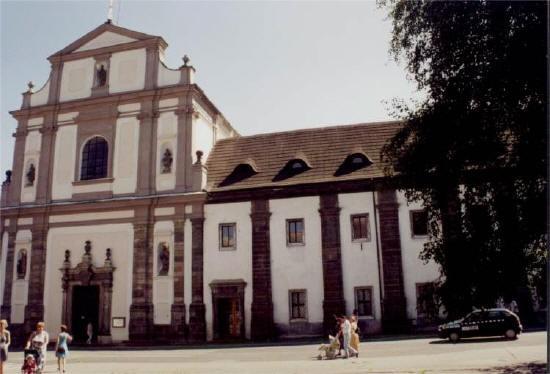 Česká Lípa, Klášterní basilika Všech svatých